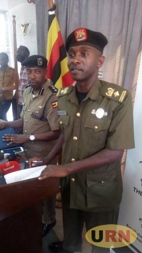 Lt. Col. Deo Akiiki, the Deputy UPDF Spokesperson and his Police Counterpart, Emilian Kayima addressing journalists on Monday about the joint city operations