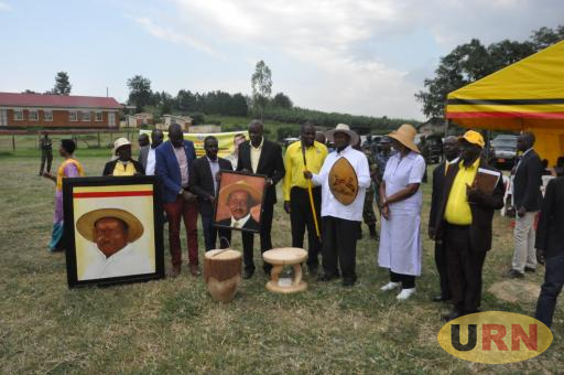 President Museveni and his wife receiving gifts from local leaders in Ntungamo